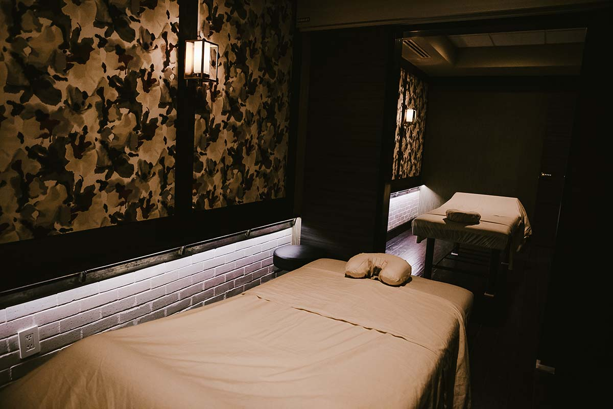 Couples Massage Room at Treat Your Feet Buckhead in Atlanta, GA