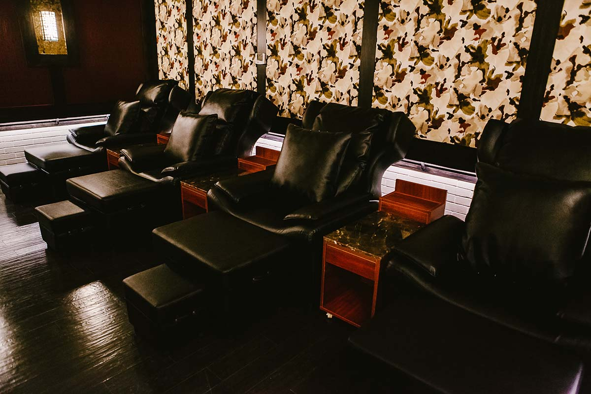 Treat Your Feet Buckhead 4 Seater Foot Massage Room in Atlanta, GA