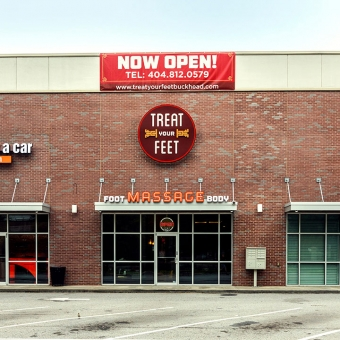 Treat Your Feet Buckhead (Atlanta Massage Center) Store Front and Front Parking Lot